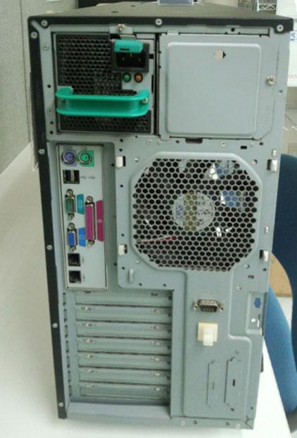 HA8000/70PD 背面