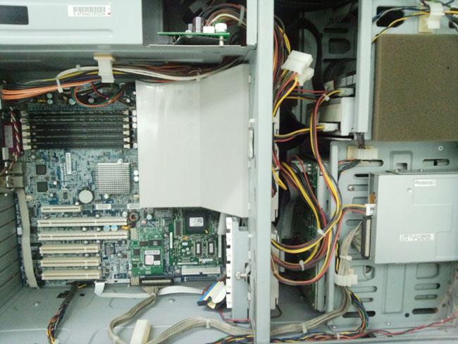 HA8000/70PD 内部
