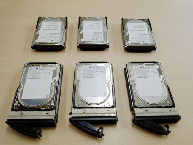 HA8000/70PD 取り出した SCSI HDD